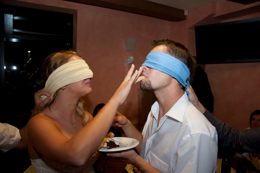 Program, ki ga izvaja ansambel Jurčki ob rezanju poročne torte. Ansambel Jurčki je najboljši ansambel, bend ali skupina za poroke, veselice, abrahame, praznovanja in zabave. Jurčki so odlična skupina za poroko. Na poroki naredijo odlično vzdušje.