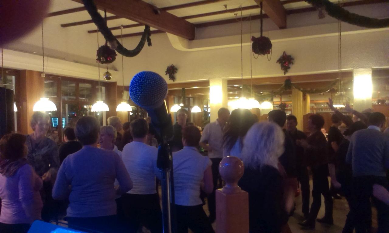 Ansambel Jurčki je najboljša skupina oz. bend za poroke, veselice, abrahame, praznovanja in zabave. Jurčki so odlična skupina za poroko in za praznovanje obletnice, abrahama ali rojstnega dne. Na poroki naredijo odlično vzdušje.